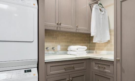 platzsparende einrichtung f r kleine waschk chen freshouse. Black Bedroom Furniture Sets. Home Design Ideas