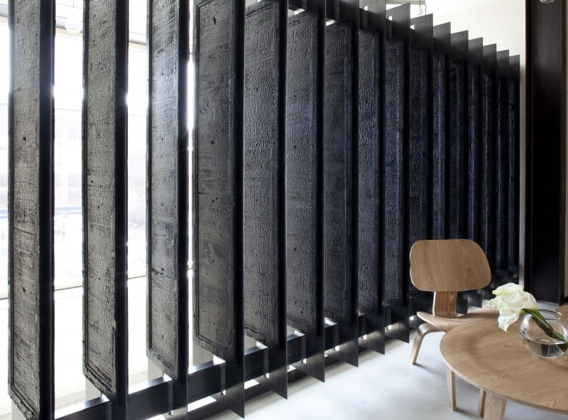 moderne raumgestaltung und modernes Interior mit vertikalen lamellen als raumteiler