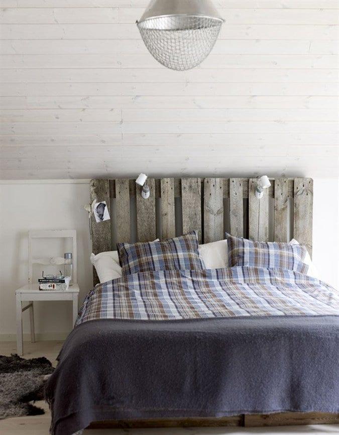 kreative einrichtung schlafzimmer mit schrägdach weiß und DIY -Schlafzimmermöbel
