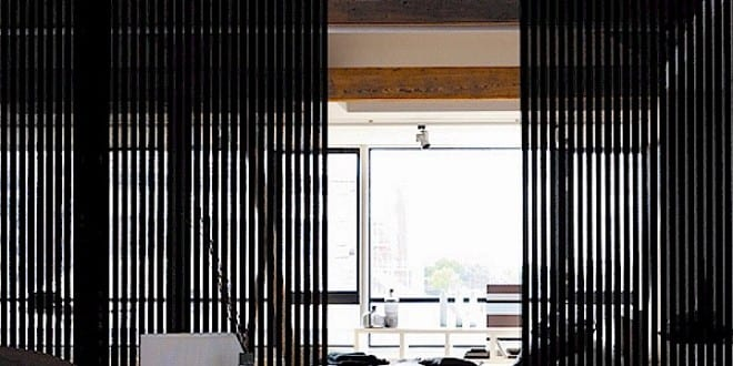 Schiebbare raumteiler schwarz f r moderne raumgestaltung for Raumgestaltung 2015
