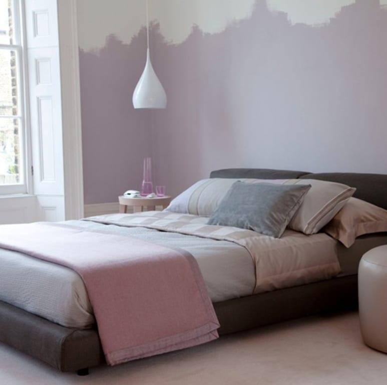kleine schlafzimmer in lila streichen