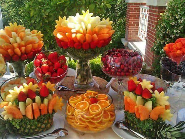 buffet mit Früchten dekorieren für sommer-Gartenpartys