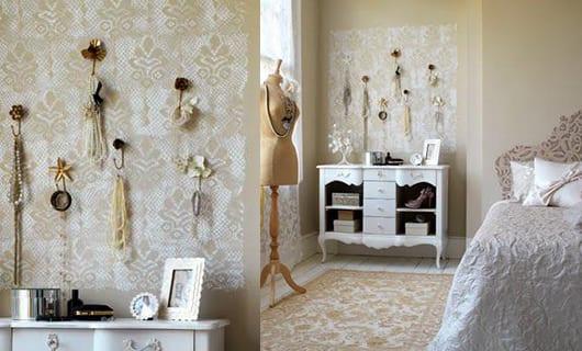 moderne schlafzimmer deko idee und gestaltung mit wandfarbe beige und barrok-sideboard