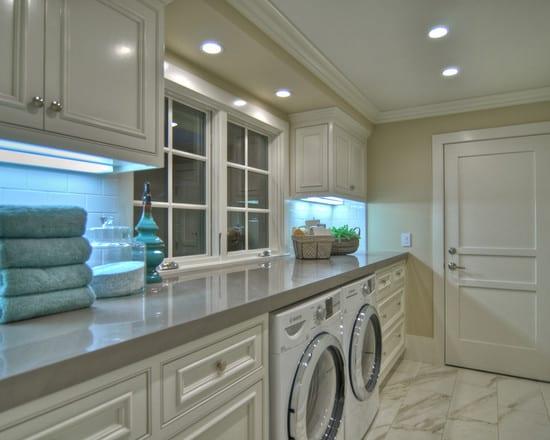 interessante einrichtungsidee mit marmorfußboden und und wandfarbe beige für kleine waschküchen
