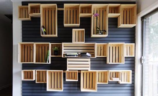 bauen mit paletten als kreative wandgestaltung und streichen idee freshouse. Black Bedroom Furniture Sets. Home Design Ideas