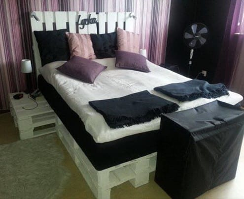 diy bett und eigener designer nachttisch aus paletten freshouse. Black Bedroom Furniture Sets. Home Design Ideas