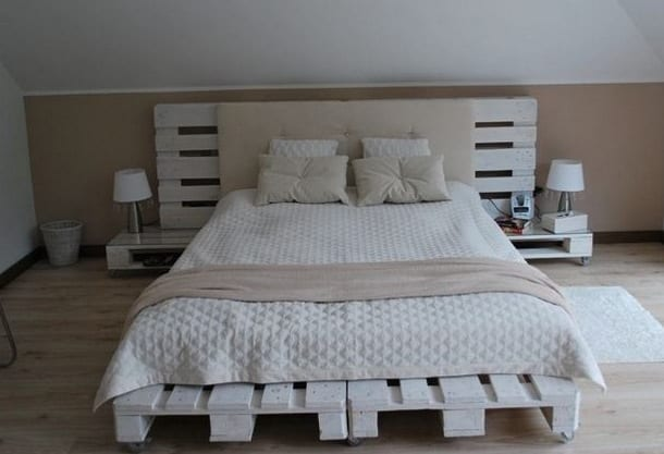 schlafzimmer mit dachschräge und wandfarbe beige