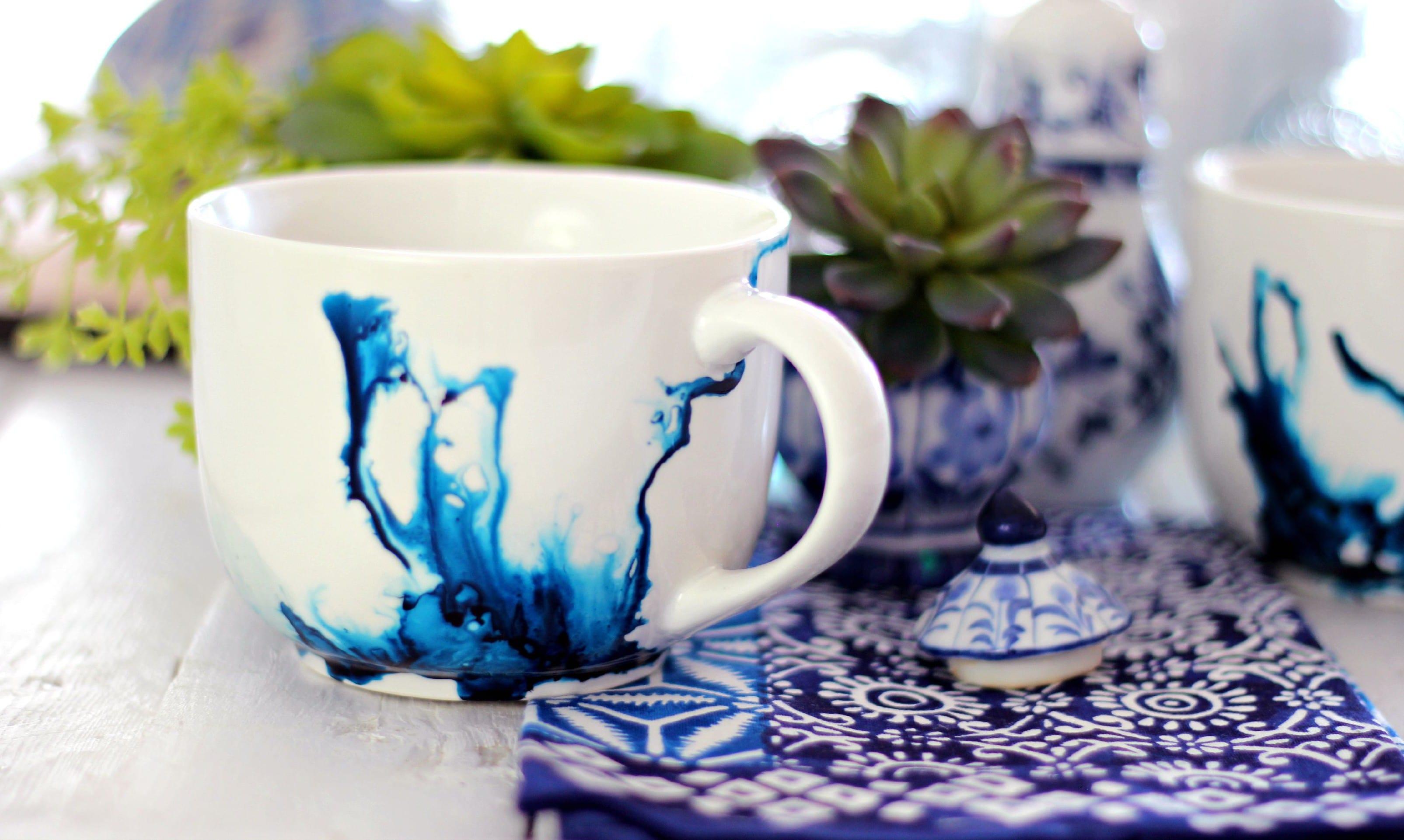 Tassen in Wasserfarbe als selbstgemachte Geschenke - fresHouse