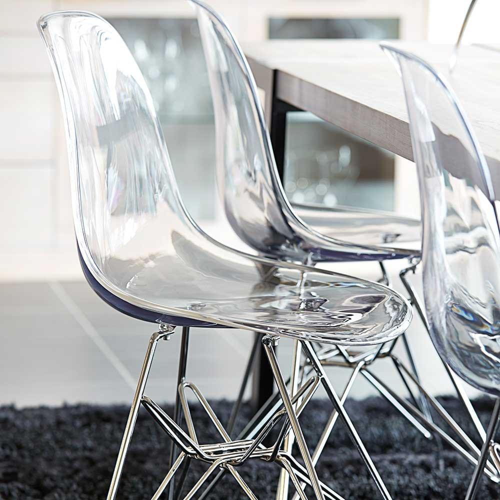 esszimmer ideen für moderne gestaltung mit holztisch massiv und stühle esszimmer aus acrylglas mit metallbeinen