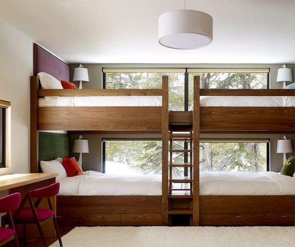 modernes kinderzimmer klein mit etagenbett holz für vier kinder