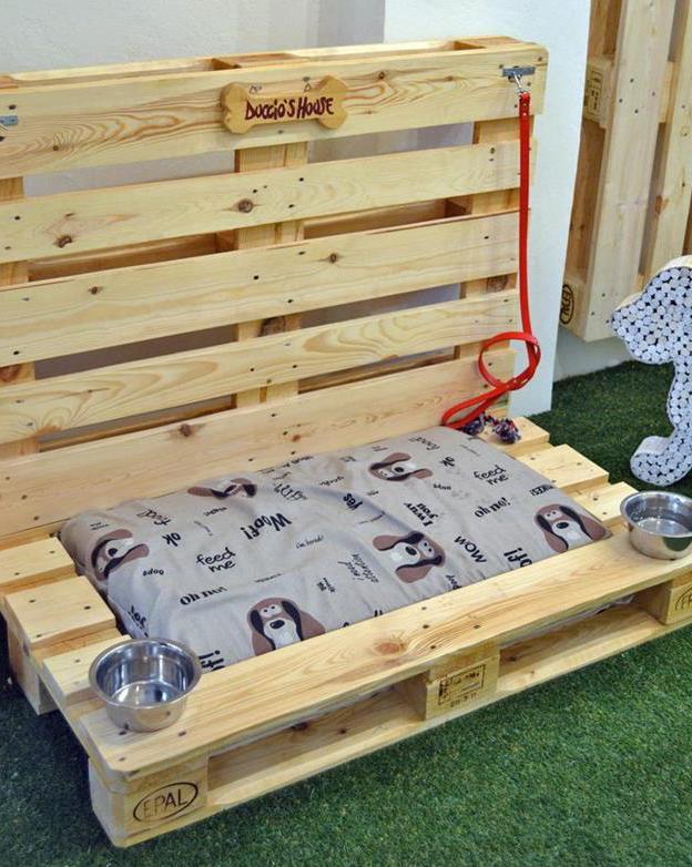 möbel aus paletten bauen als inspiration für DIY Hundebetten