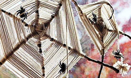DIY Spinnengewebe als coole Halloween Deko Idee