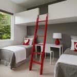 minimalistisches kinderzimmer interieur mit kinderzimmer wandfarbe grau und loft bett weiß