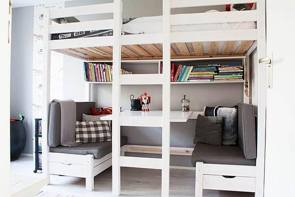 etagenbett mit sitzecke und tisch als coole kinderzimmereinrichtung in weiß und grau