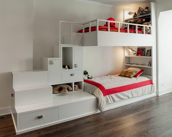kinderzimmergestaltung mit etagenbett und betttreppe aus schubladen