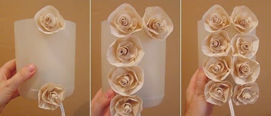 do it yourself Tischlampe mit diy Rosen-dekoration aus papier