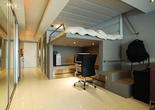 hochbett mit sitzecke und deckenbeleuchtung für moderne jugendzimmer mit eingebautem kleiderschrank und spiegeltüren