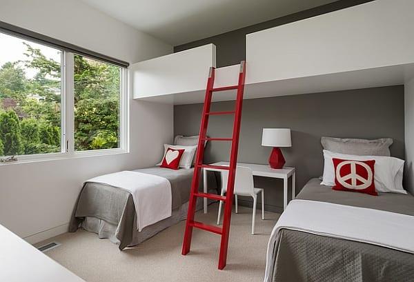 kinderzimmer streichen idee mit wandfarbe grau und moderne kinderzimmergestaltung mit bettwäsche grau und loftbett mit holzleiter rot