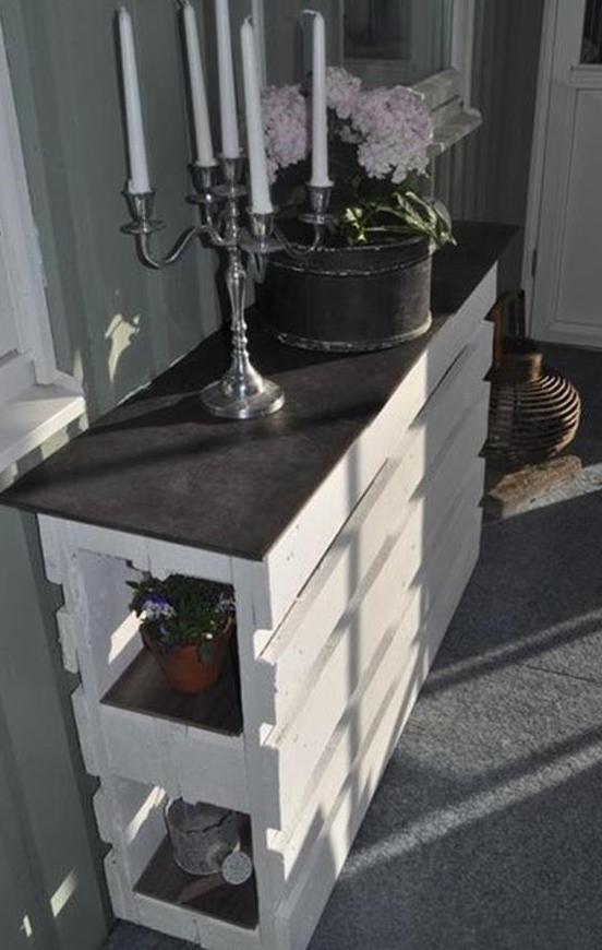 bauen sie Sideboard aus paletten_flur einrichten mit DIY Sideboard weiß