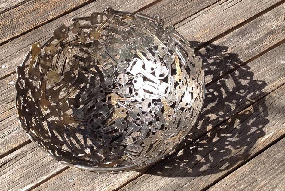 bastelidee mit alten schlüsseln für DIY Fruchtschalle