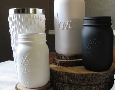DIY Glasvase schwarz und weiß aus Glasgefäß