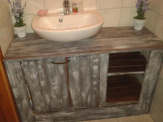 möbel aus paletten fürs badezimmer bauen