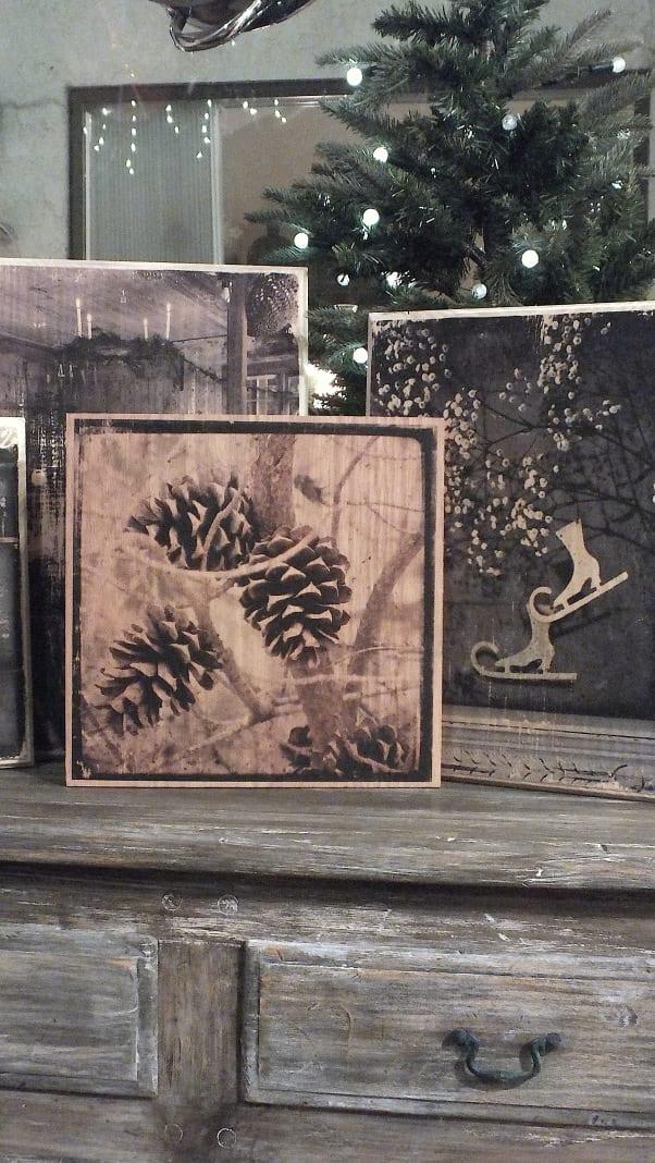 sideboard rustikal kreatiev dekorieren mit DIY Holzbildern durch Druck auf holz