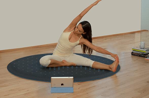 teppich wohnzimmer schwarz als moderne und elegante yoga matte rund mit sensoren