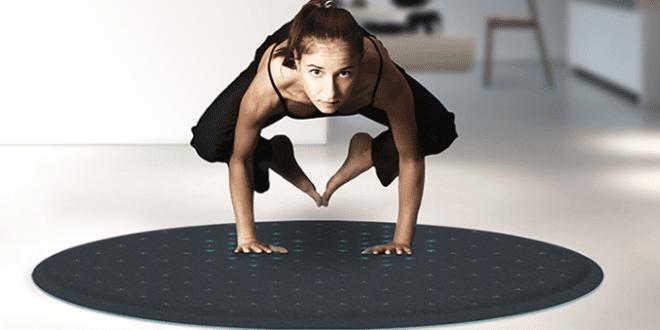 Runder Teppich und Yoga-Matte mit Interactive Design