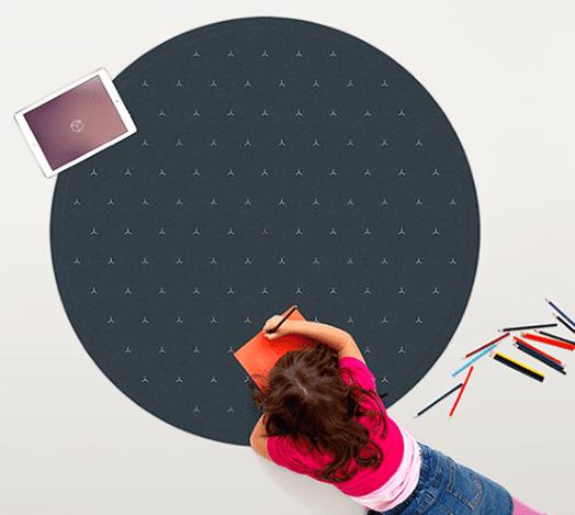 Runder Teppich und YogaMatte mit Interactive Design