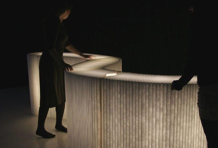 flrxible trennwände weiß mit LED-leuchten für kreative lichtgestaltung und raumteilung