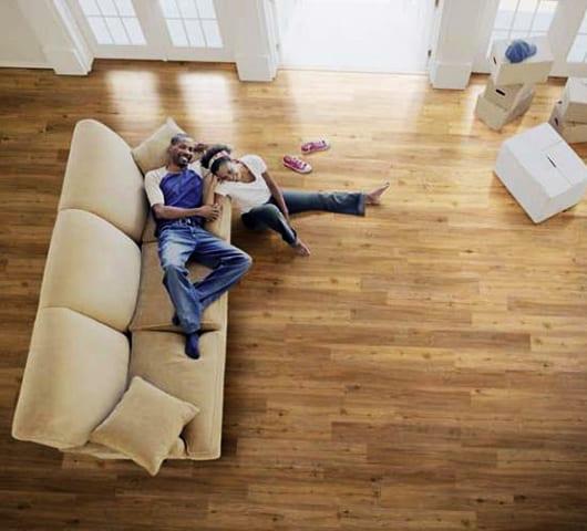 zimmer einrichten mit vinyl-bodenbelag_bodenbeläge als teil der Einrichtung modernes Interiors