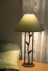 beleuchtungsideen und dekoideen f r wohnzimmer mit tischlampen freshouse. Black Bedroom Furniture Sets. Home Design Ideas