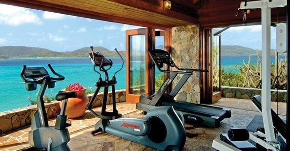 modernes haus mit fitnessraum einrichten