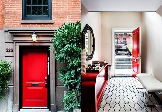 interieur in rot und schwarz als wohnidee flur mit haustür rot und designer sideboard rot und bodenfliesen schwarz-weiß