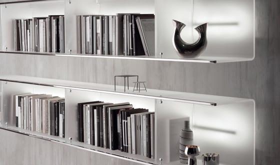 Wandregale – moderne Wandgestaltung mit beleuchteten Regalen