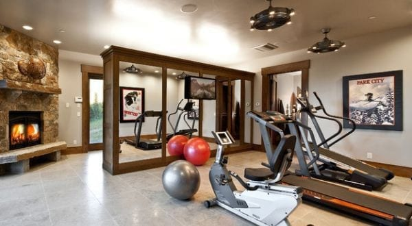modernes haus mit fitnessstudio von jaffa group design build freshouse. Black Bedroom Furniture Sets. Home Design Ideas