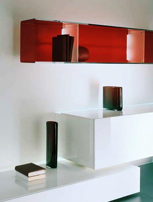 kreative wandgestaltung wohnzimmer mit wandregal rot_coole regale von acerbis