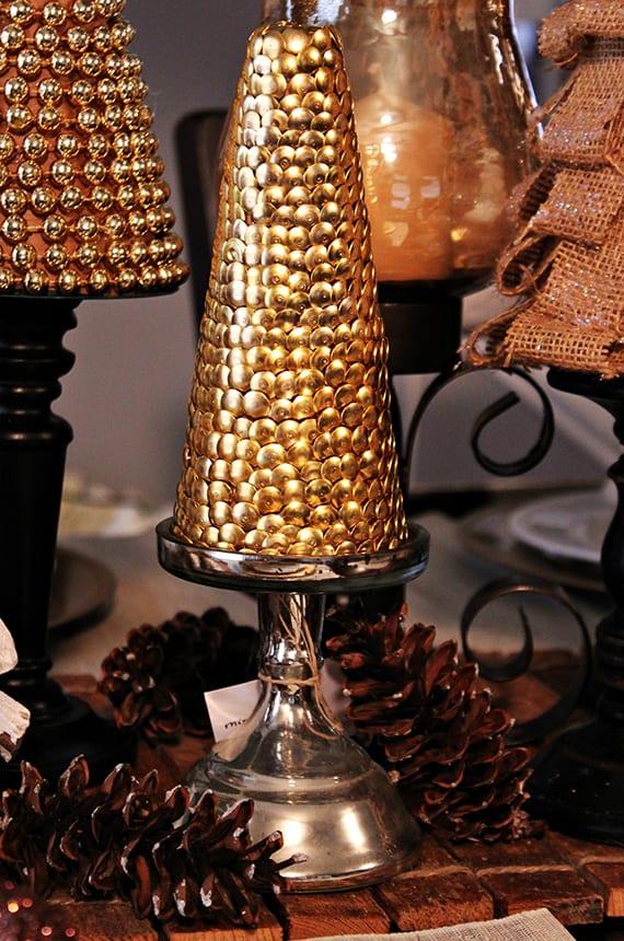 kreative dekoideen weihnachten und coole bastelideen für Dekoration weihnachten mit dekorativen Christbäumen und zapfen