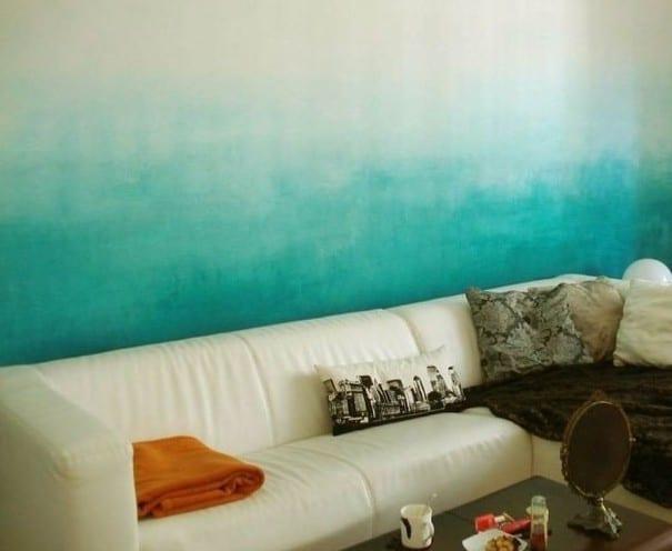 kreative wandgestaltung wohnzimmer mit varbverlauf in blau