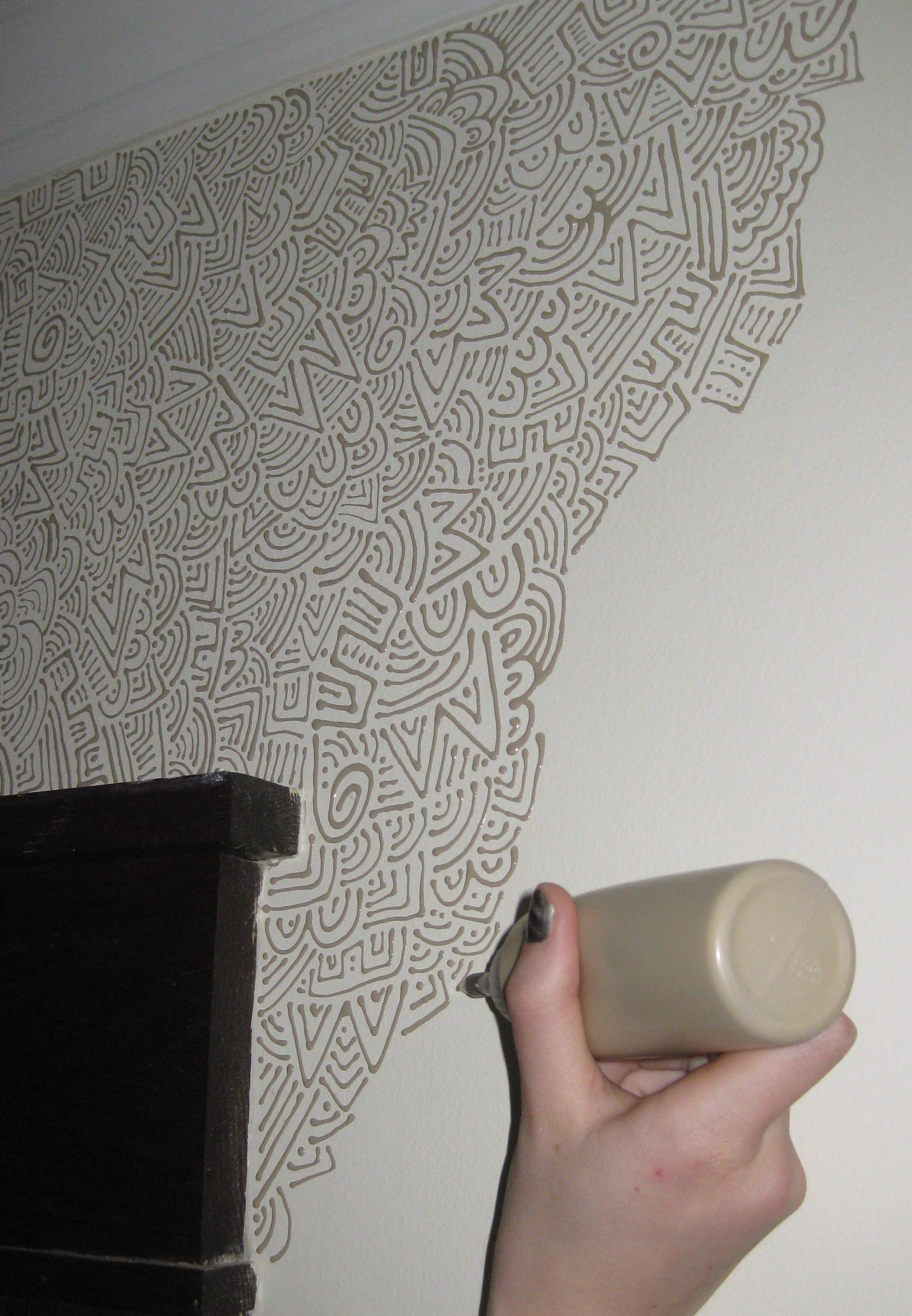 kreative idee für moderne wandgestaltung mit farbe
