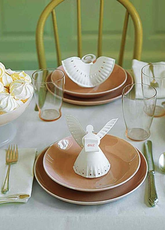 coole idee für DIY-engel aus papiertellern als tischplatzdeko