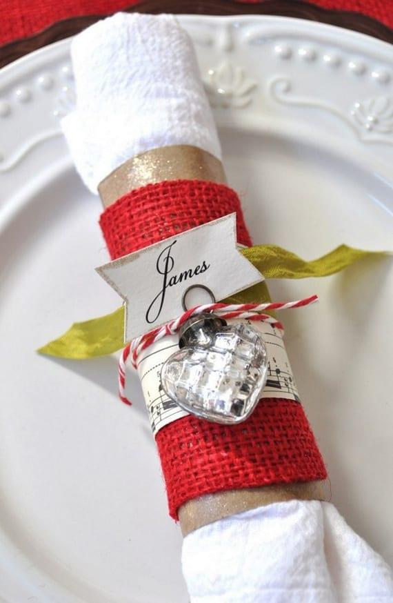 paperservietten kreativ falten und rollen und als festliche tischdeko einsetzen