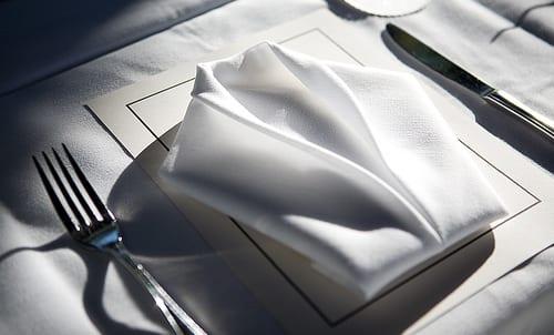 servietten falten interessante ideen und
