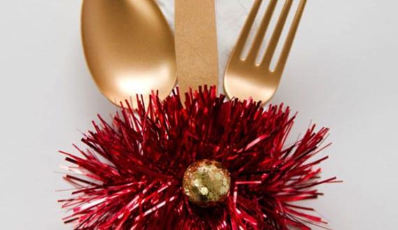 servietten falten tisch weihnachtlich dekorieren und servietten zu weihnachten falten freshouse. Black Bedroom Furniture Sets. Home Design Ideas