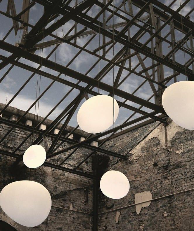 ideen für Einrichtung im Industrial style mit modernen leuchten und dachverglasung_inspirationen für beleuchtung im raum