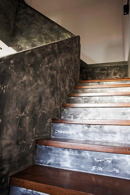 innentreppe aus estrich mit holz-trittsctuffen
