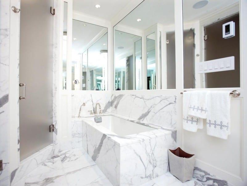 spigeln im bad als kreative badezimmer idee für optische raumvergrößerung kleiner Badezimmer