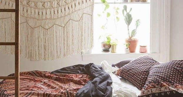 schlafzimmer ideen im bohemian stil_kleine schlafzimmer mit bett ... - Schlafzimmer Fenster