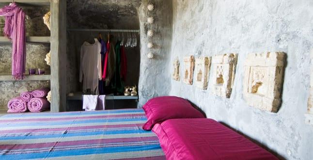 schlafzimmer ideen im boho stil kreative schlafzimmer gestaltung mit gemauerten w nden und. Black Bedroom Furniture Sets. Home Design Ideas